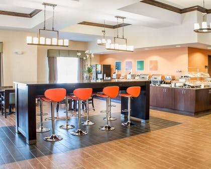 Breakfast room | Comfort Inn & Suites