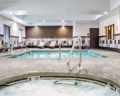 Indoor hot tub | Comfort Inn & Suites