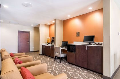 Business center | Comfort Suites Airport on Meridian