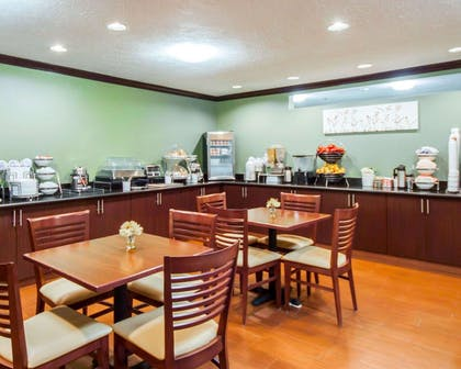 Breakfast area | Sleep Inn & Suites Edmond near University