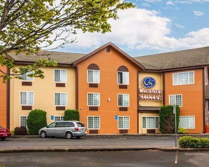 Side view of hotel | Comfort Suites