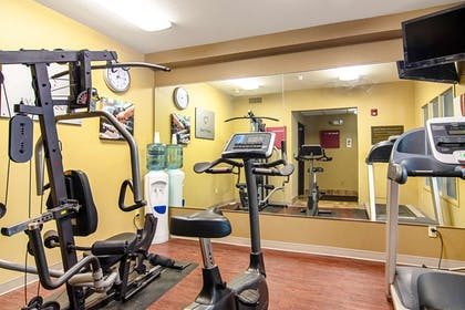 Fitness center | Comfort Suites Columbia River