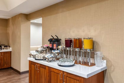 Breakfast counter | Clarion Hotel Portland Airport