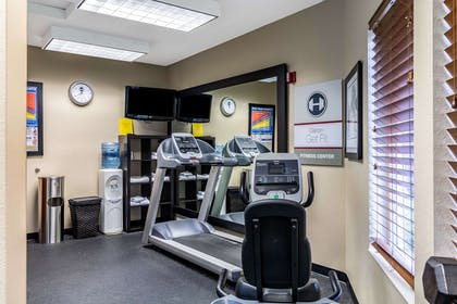 Fitness center | Clarion Hotel Portland Airport