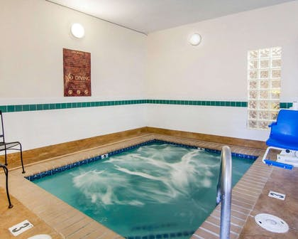 Relax in the hot tub | Comfort Inn South