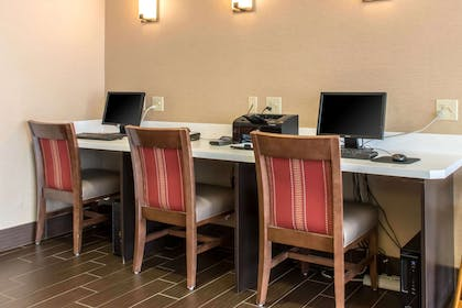Business center | Comfort Suites Scranton near Montage Mountain
