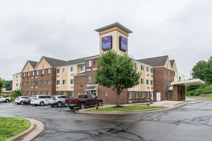 Hotel exterior | MainStay Suites Pittsburgh Airport