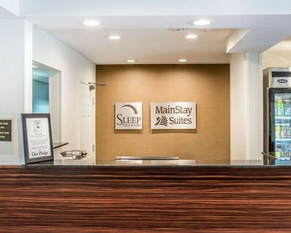 Front desk with friendly staff | MainStay Suites Pittsburgh Airport