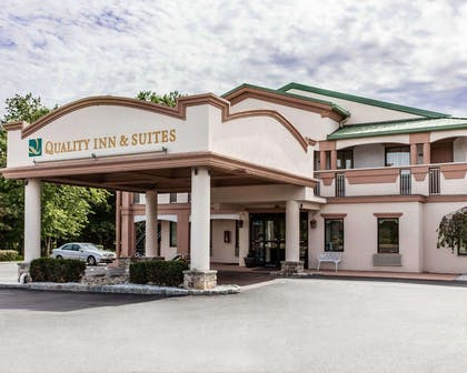 Quality Inn and Suites hotel in Quakertown, PA | Quality Inn & Suites Quakertown-Allentown