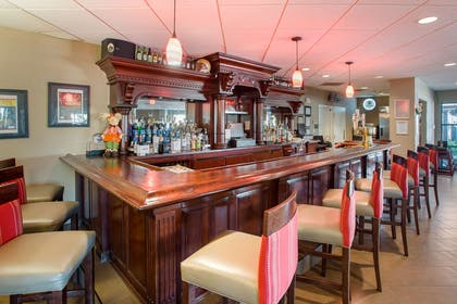 Hotel bar | Comfort Suites Bethlehem Near Lehigh University and LVI Airport