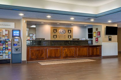 Front desk | Comfort Suites Bethlehem Near Lehigh University and LVI Airport