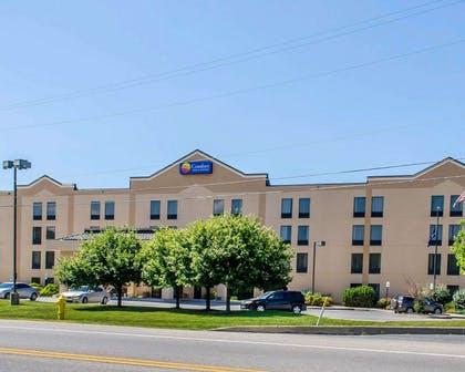 Comfort Inn and Suites hotel in York, PA | Comfort Inn & Suites