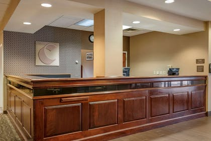 Hotel lobby | Comfort Suites Downtown Carlisle
