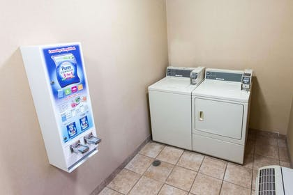 Guest laundry facilities | Comfort Inn Pittsburgh