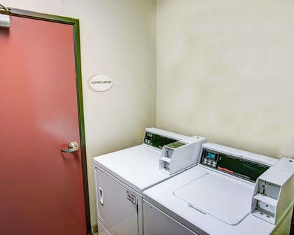 Guest laundry facilities | Comfort Suites
