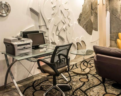 Business center with high-speed Internet access | Comfort Suites Monroeville