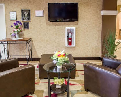 Spacious lobby with sitting area   Comfort Suites