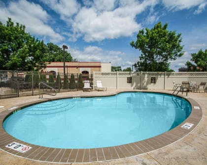 Outdoor pool with sundeck | Quality Inn & Suites NJ State Capital Area