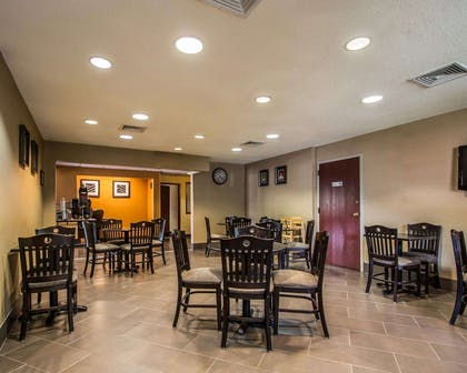 Breakfast room | Quality Inn & Suites NJ State Capital Area