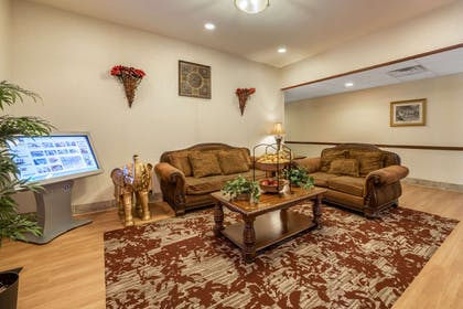Hotel lobby | MainStay Suites Grantville - Hershey North