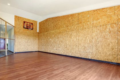 Basketball court | MainStay Suites Grantville - Hershey North