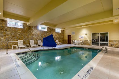 Indoor pool | Comfort Suites Near Gettysburg Battlefield Visitor Center