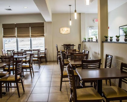 Enjoy breakfast in this seating area | Sleep Inn & Suites