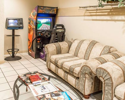 Game room | Quality Inn & Suites