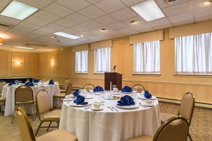 Banquet room | Quality Inn & Suites Conference Center
