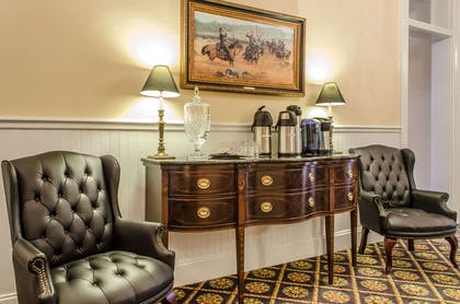 Hotel lobby | Federal Pointe Inn, an Ascend Hotel Collection Member