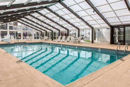 Indoor pool | Quality Inn & Suites Middletown - Newport