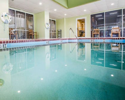 Indoor pool | Comfort Suites Anderson