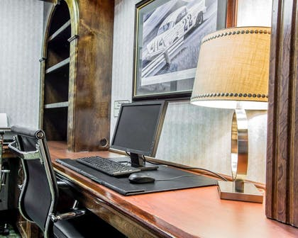 Business center with free wireless Internet access | Comfort Suites Sumter