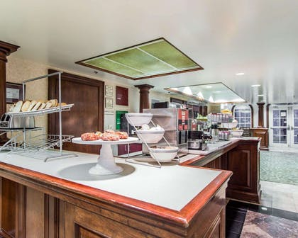 Breakfast bar | Comfort Suites Sumter