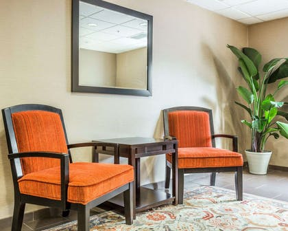 Lobby with sitting area | Comfort Suites at Isle Of Palms Connector