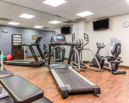 Exercise room | Comfort Suites at Isle Of Palms Connector