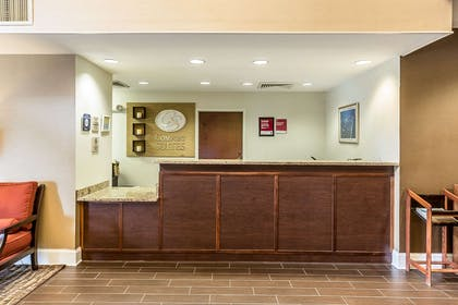 Hotel lobby | Comfort Suites Myrtle Beach Central