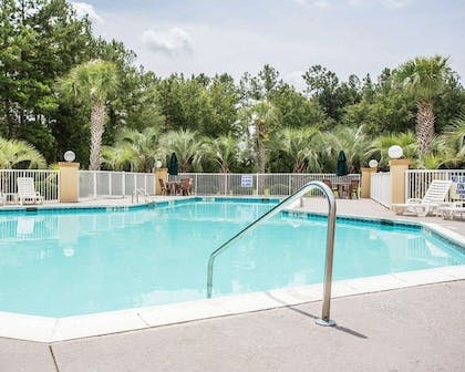 Outdoor pool | Comfort Inn & Suites Walterboro I-95