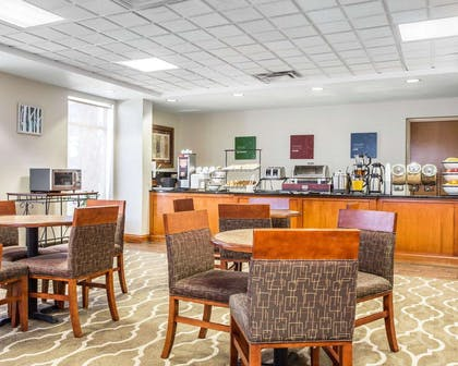 Breakfast area | Comfort Inn & Suites Walterboro I-95