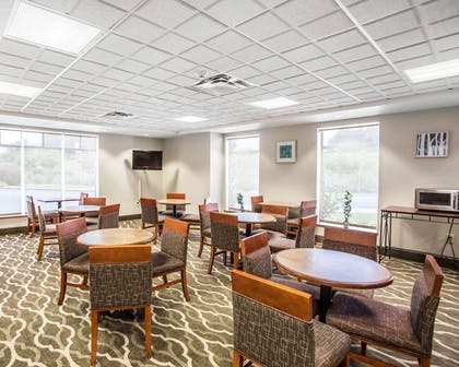 Spacious breakfast area | Comfort Inn & Suites Walterboro I-95