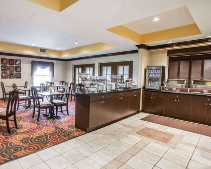 Enjoy breakfast in this spacious area | Comfort Inn & Suites at I-85