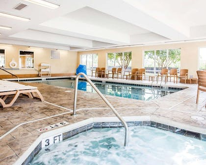 Indoor heated pool with hot tub   Comfort Suites Rock Hill