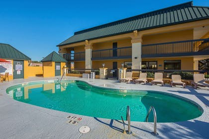 Outdoor pool | Quality Inn And Suites Civic