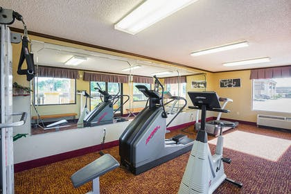 Fitness center | Quality Inn And Suites Civic