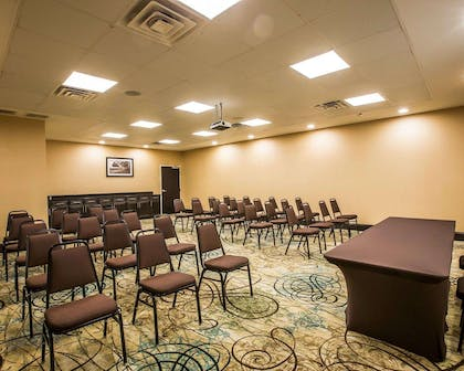 Meeting room with theater-style setup | Comfort Suites Simpsonville