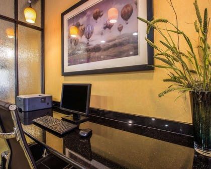 Business center with high-speed Internet access | Comfort Suites Simpsonville