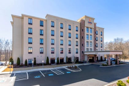Hotel exterior | Comfort Suites Greenville South