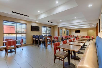 Spacious breakfast area | Comfort Suites Greenville South