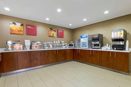 Breakfast counter | Comfort Suites Greenville South