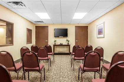Meeting room | Comfort Suites West of the Ashley
